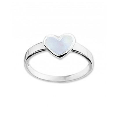 Zilveren kinder ring met witte kleur en liefdethema