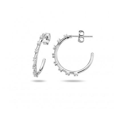 Zilveren oorstekers met 8 zirkonias