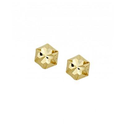 Gouden oorknopjes bewerkt