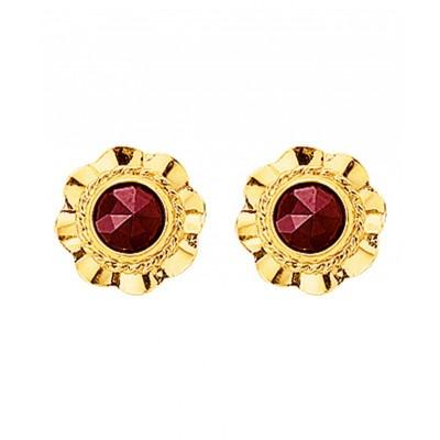 Mooie goudkleurige en rode oorknoppen met granaat