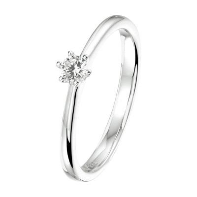 Zilveren ring met zirkonia-steen