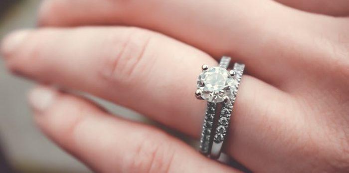 Verschil tussen zirkonia en diamant